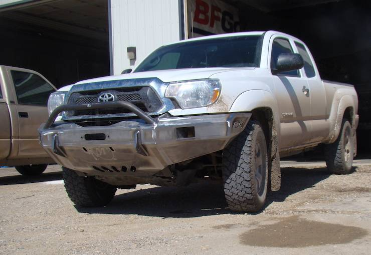 Throttle Down Kustoms - 2012-2015 Toyota Tacoma Push Bar